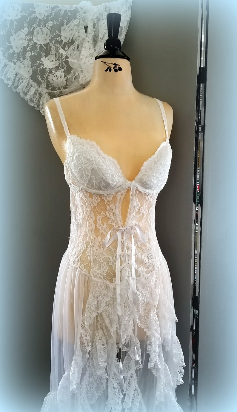 Gorgeous White Chiffon and Ruffled Lace Nightgown /& Baby Doll w Lace-Up Front Bolero Peignoir Size XL 80s 4-Piece ESCANTE Peignoir Set