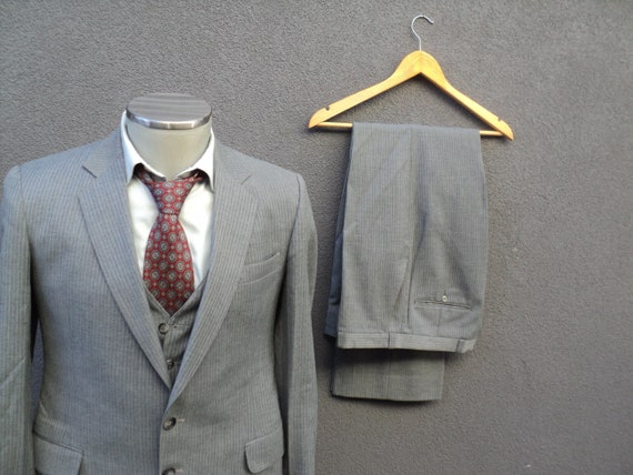1960s Pinstripe Suit / Three Piece Suit / Jacket Vest & Pants / 60s Vintage  Striped 3 Piece Suit 36 Small / Union Made In Canada / Gray Suit