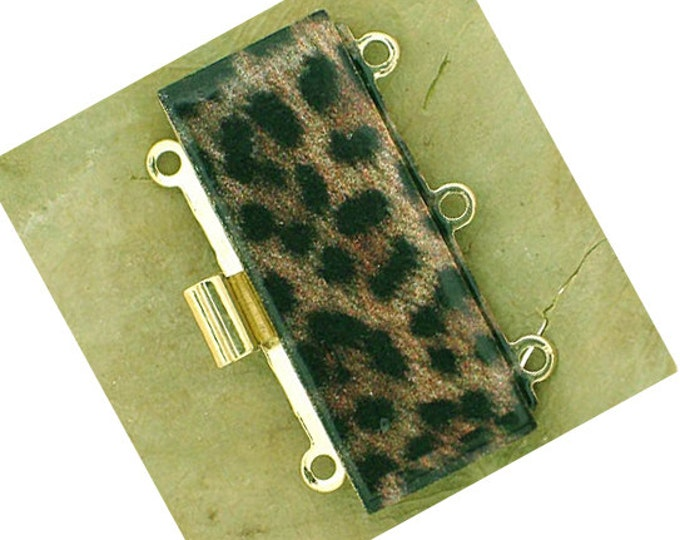 Three-Strand Leopard Print Clasp in Gold Setting, 25x10mm