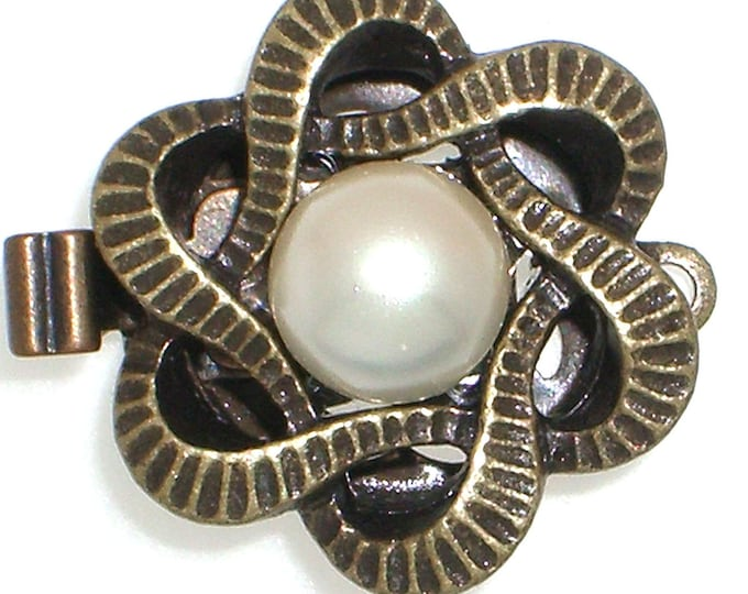 One-Strand Pearl Necklace Clasp in Antique Brass Finish, 15mm