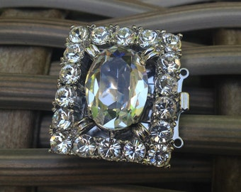 Three-Strand Swarovski Crystal Clasp in Gold or Rhodium Finish, 30x26mm