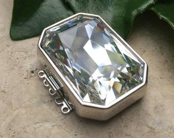 Five-Strand Swarovski Crystal Octagonal Clasp in Gold or Rhodium Finish, 30x22mm
