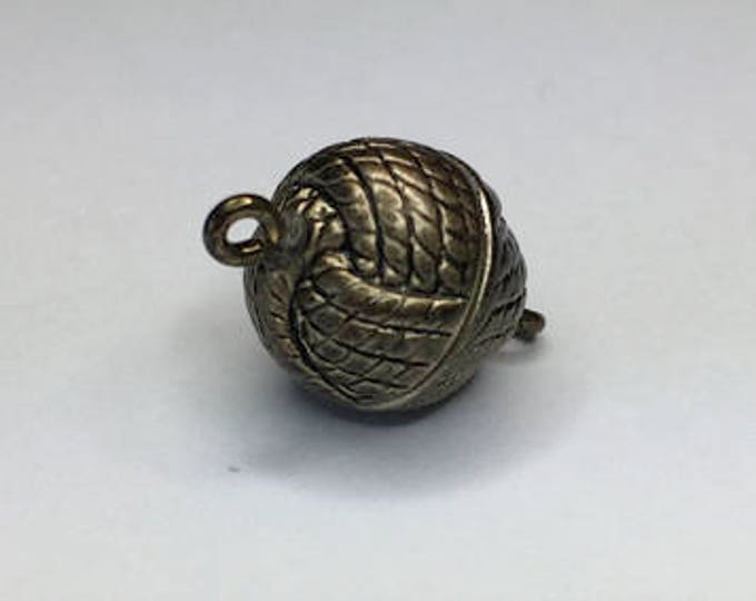 12mm Round Magnetic Clasps in Knot Pattern, Three Metallic Finishes