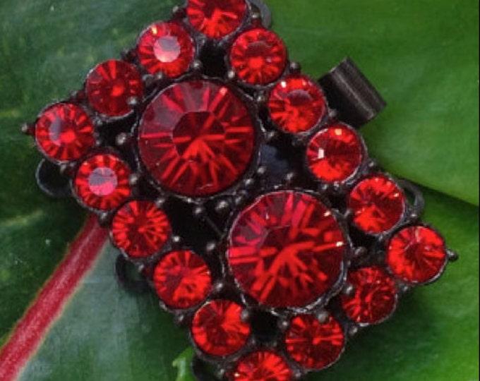 Three-Strand Siam and Light Siam Swarovski Crystal Clasp in Antique Copper Setting, 25x18mm