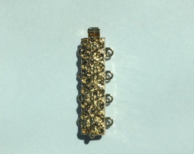 Four-Strand Scroll-Patterned Slider Bracelet Clasp in Bright Gold Finish, 25x7mm