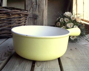 Le Creuset Saucepan - Vintage Cast Iron Pan - Yellow Enameled Pan - French Saucepan - Le Creuset - Made in France - French Kitchen