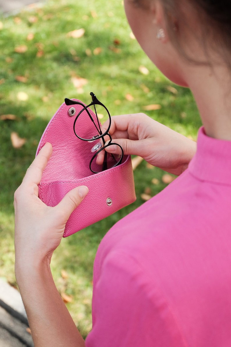 Handstitched Eyeglasses Pouch Eyeglass Holder Luxury Handstitched Leather Case vegtan Reading Glasses Case Pink Leather Glasses Case
