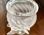 Lalique Rosine Vase with 2 Doves in Flight Mint Condition Signed Authentic