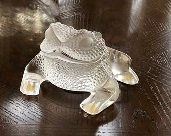 Lalique Gregoire Toad (Frog) Sculpture, Clear & frosted Crystal #11640