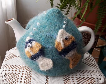 The Goldfishbowl (Gullfiskaskálin): Tea cosy (Tehetta(