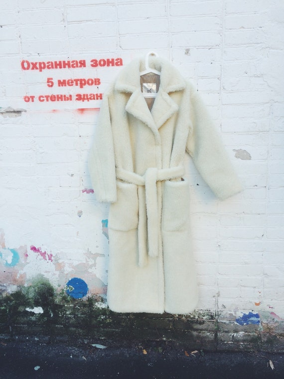 Sale 50% Fur coat robe with patch pockets and belt