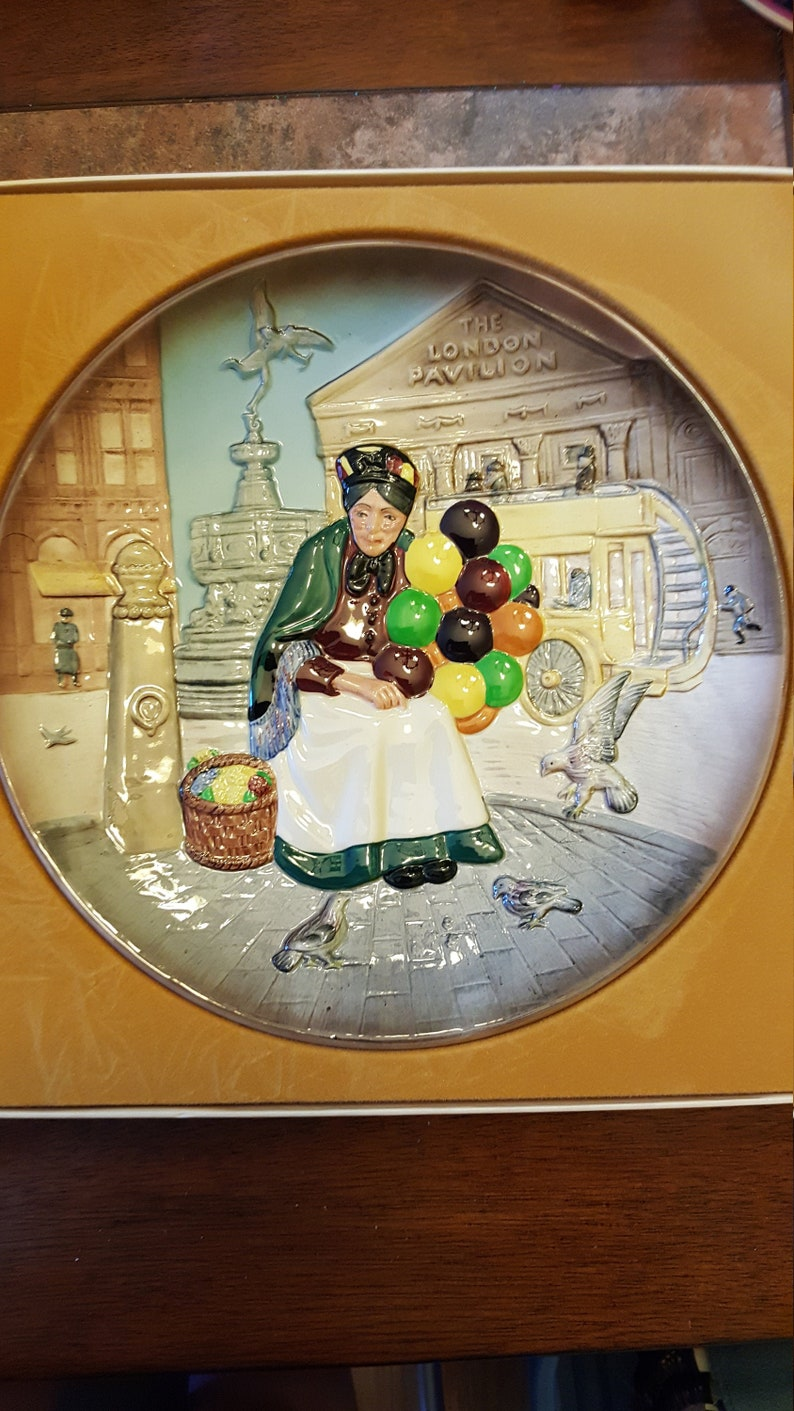 Royal Doulton Character Plate The Old Balloon Seller 1979