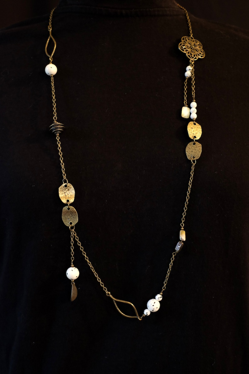 Great necklace Haliotis lava stone and Abalone mother of Pearl sequins beaded shell abalone long necklace bronze grey quartz