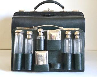 toiletry bag / travel bag / leather doctor bag / Vintage French 1930s
