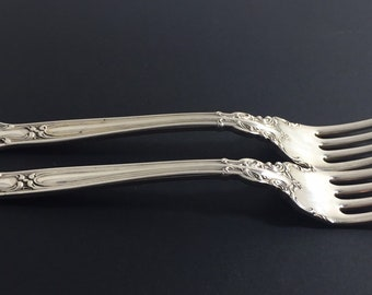 L//A//G S ~ CHANTILLY ~ NO MONO GORHAM STERLING COCKTAIL FORK