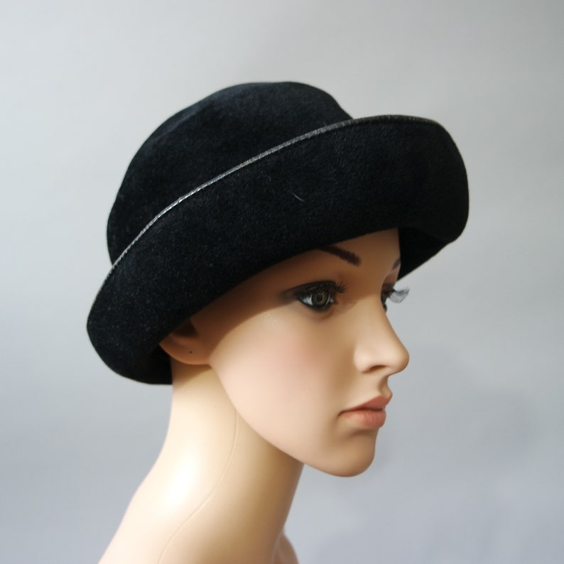 32fd38ecc6b Vintage Black Bucket Hat   Velour Hat   Retro Hat   Frech Chic