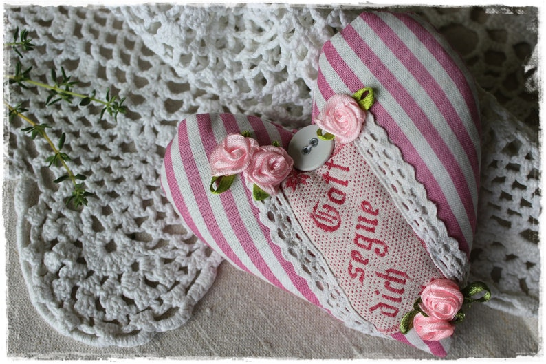 Lavender heart fragrance cushions made of antique peasant image 0