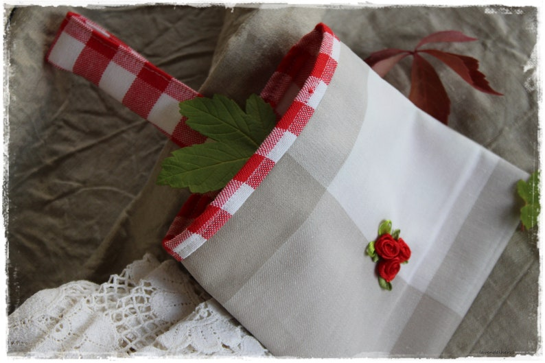 Bags of linen fabric with roses with hanger for decoration as image 0