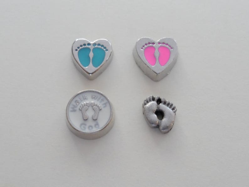 Strip Edge Infant Loss Gift Baby Feet Wings Miscarriage Stillborn Floating Locket Memorial Necklace Forever in My Heart Locket Necklace