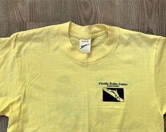 Vintage 80s Shurtz Florida Scuba Center T Shirt Medium