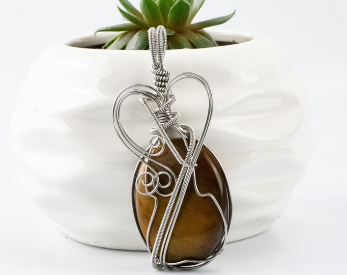 Unique Handmade Tigers Eye Pendant, Bohemian Jewelry, Wire Wrapped Jewelry, Gift For Her, Christmas Gift, Handmade Jewelry, Gemstones.