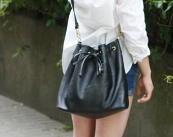 PRE-ORDER >>> Leather Bucket Bag - BLACK
