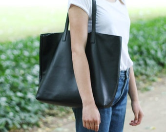 PRE-ORDER >>> LILA - Leather Tote Bag - Black