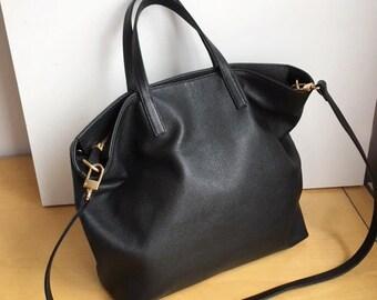 MEDIUM Black Leather Tote Bag   Carryall Tote   Crossbody Shoulder Bag    Laptop Bag 4e113b29c7