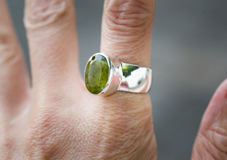 Peridot jewelry- Size 8 Ring Large Peridot Ring Size 8 Peridot ring August Birthstone Peridot Ring 8 August Birthstone