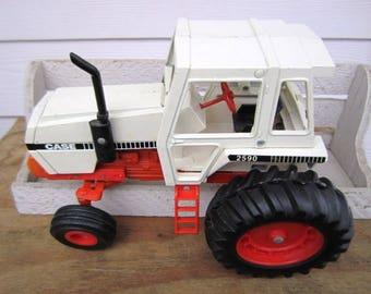 Vintage Ertl Die Cast Metal Case #2590 Farm Tractor, 1/16 Scale