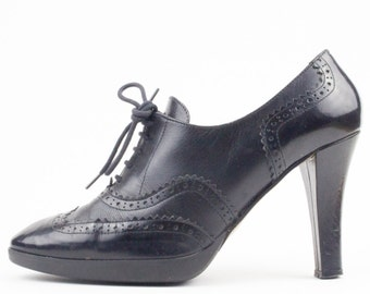 90s Vintage Wingtip Heels | Via Spiga Shoes | Witch Shoes | Goth Heels | Womens Size US 6.5 UK 4.5 Euro 37