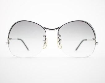 1970s Vintage Sunglasses | Oversized 70s Sunglasses | Grey Gradient | Vintage Deadstock Sunglasses - Plus Grey