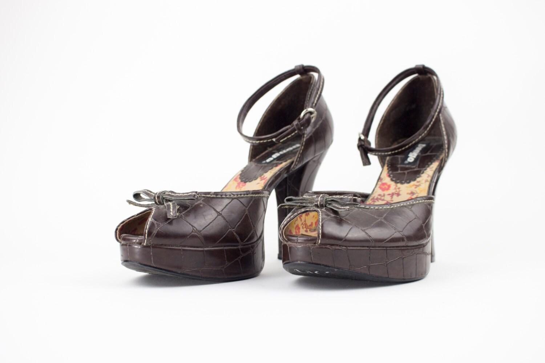 1a6526bd5f4d Vintage 90s Bongo Platform Heels