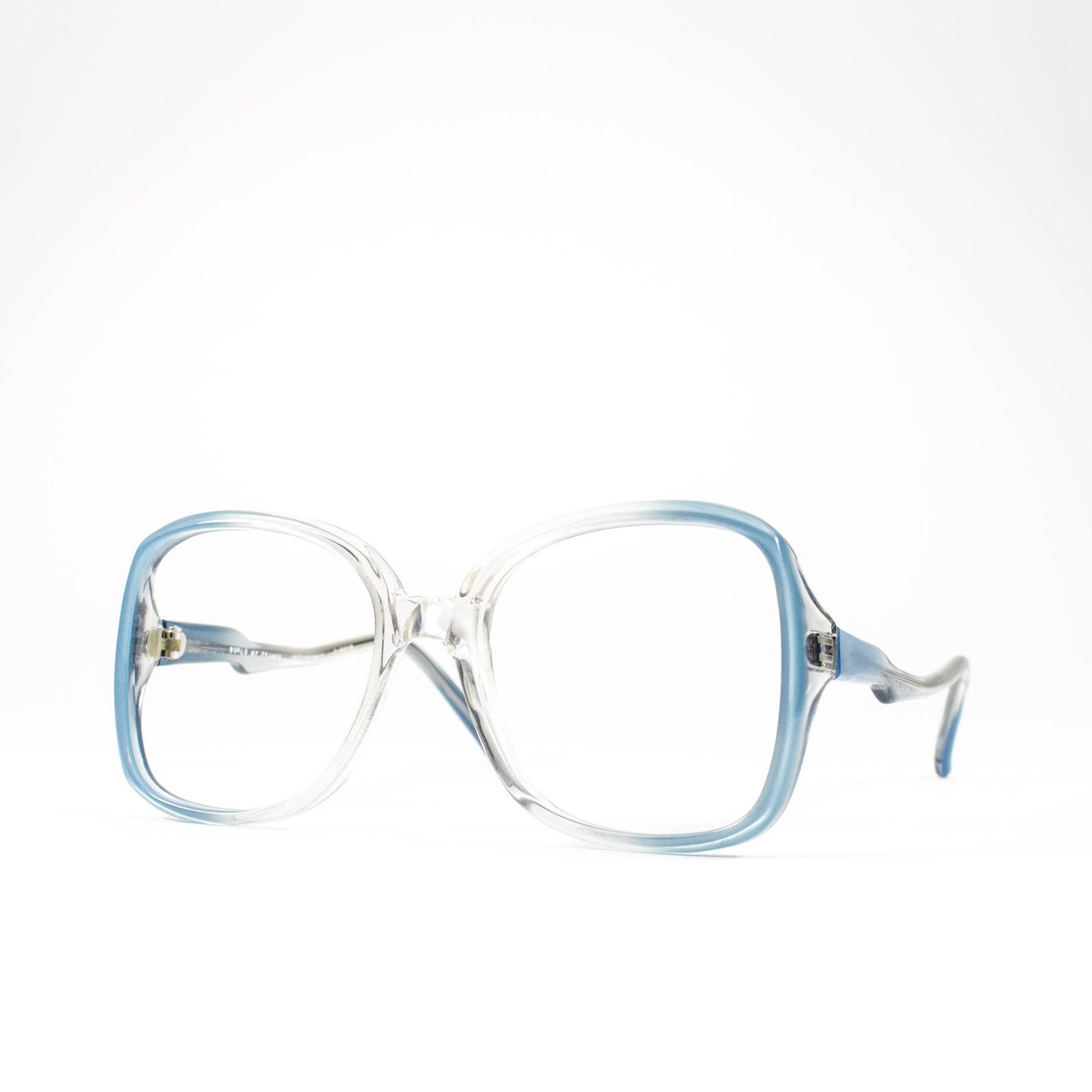 5dcab11fca7e 70s Glasses