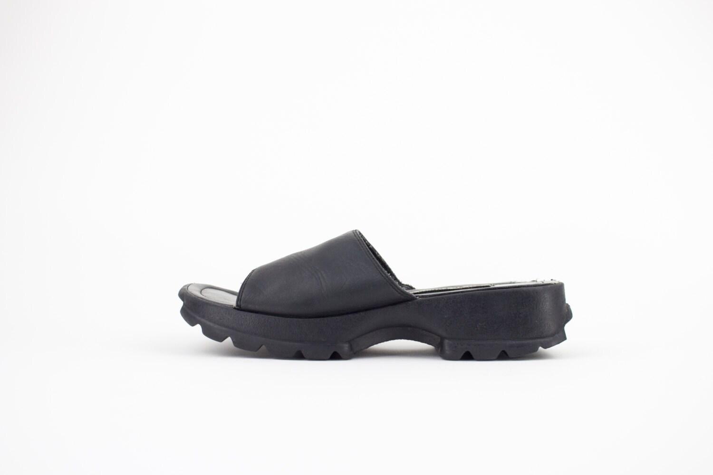 ae8d1a22988 90s Vintage Steve Madden Sandals