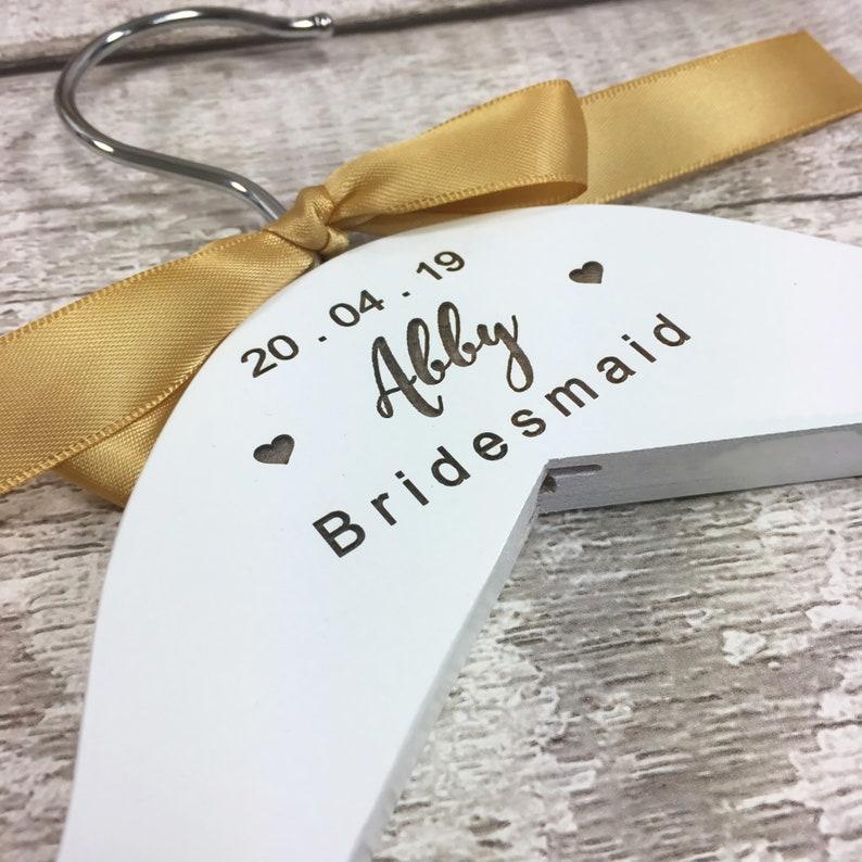 Personalised Engraved Wedding Hangers White Personalized Dress Coat Hanger for Wedding Party Bride Maid of Honour Bridesmaid Keepsake