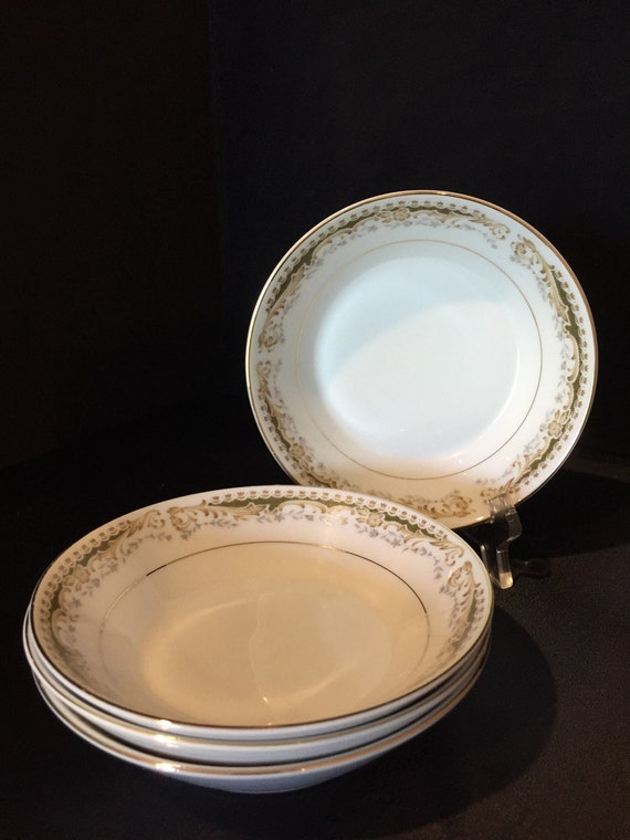 Vintage 1970 ' s Signature Collection sélectionnez Fine China Made in Japan – Queen Anne fruits/baies plat