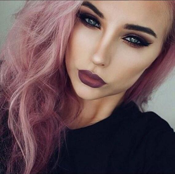 Rauchige Rosa Lila Haare Färben