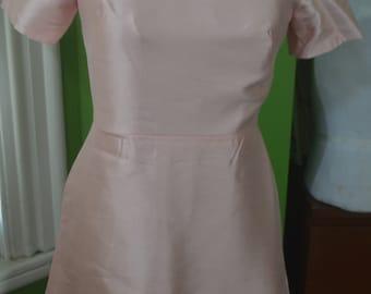 26b87198 1960s Vintage Pink Raw Silk Sheath Dress