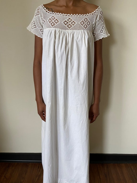 1900s vintage/antique white house/summer dress