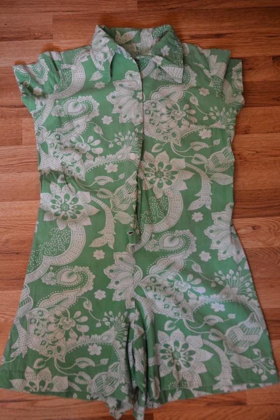 Antique Vintage 1960s Green/White Floral romper/pl