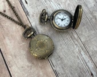 Victorian Style Bronze Shield Pocket Watch Necklace Vintage Bronze Door Antique Pocketwatch Pendant Necklace Chain & Battery Included 199
