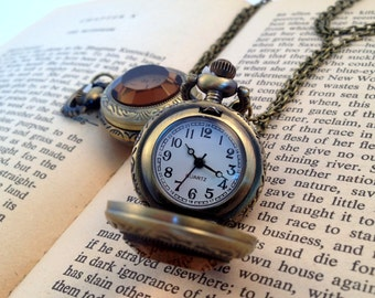 Small Vintage Style Pocket Watch Necklace Amber Glass Jewel Door Round Pocketwatch Coffee Glass Antique Bronze CHAIN & BATTERY INCLUDED 147