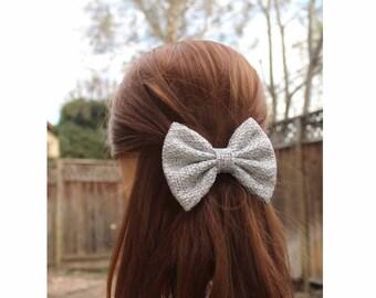 "4.5"" light gray textured faric hair bow, gray hair bow, hair bows for teens, women hair bow, winter hair bow,  woven fabric look bow clip"