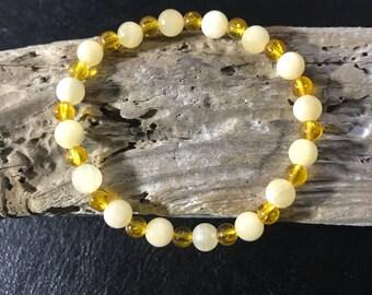 Yellow calcite and citrine beaded bracelet 5 1/2 in