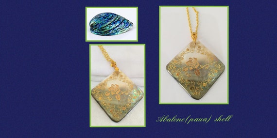 Abalone shell necklace with a rose design in gold