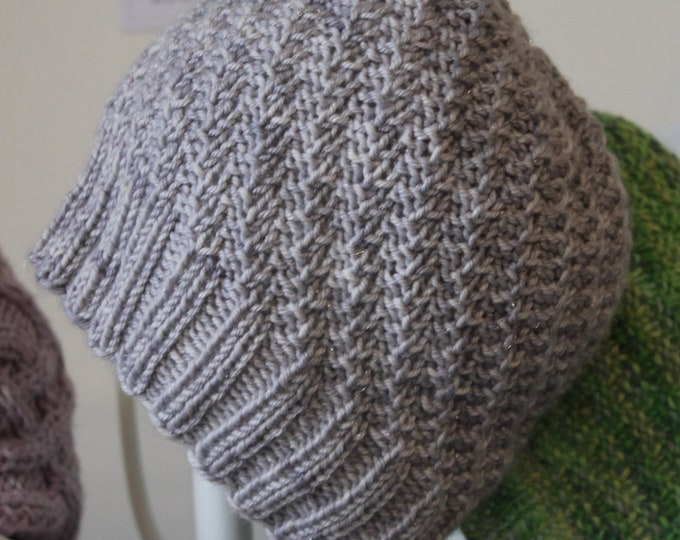 Bee Beanie PDF knitting pattern, instant download