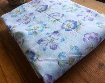 Vintage Bed Sheet-1970's-Twin Sheet-Flat Sheet-Floral-Retro-Single Bed Sheet-Vintage Fabric-Blue  Floral Bed Sheet.