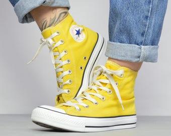 e3f17180674113 Vintage 90s Converse Yellow Hi-Tops Chuck Taylor All Star Grunge Retro  Preppy Hipster Label Size UK 4 EU 36.5 US Mens 4 Womens 6 cm 23