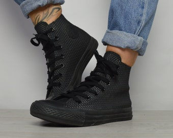a677cbe157 Vintage 90s Converse Black Hi-Tops Trainers Sneakers Chuck Taylor All Star  Grunge Label Size UK 4 EU 36.5 US Mens 4 Womens 6 cm 23